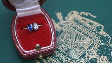 La bague offerte par Napoléon Bonaparte à Joséphine de Beauharnais a été vendue à près de 900.000 euros.