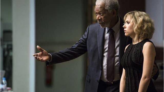 Scarlette Johansson et Morgan Freeman sont célèbres en Chine.