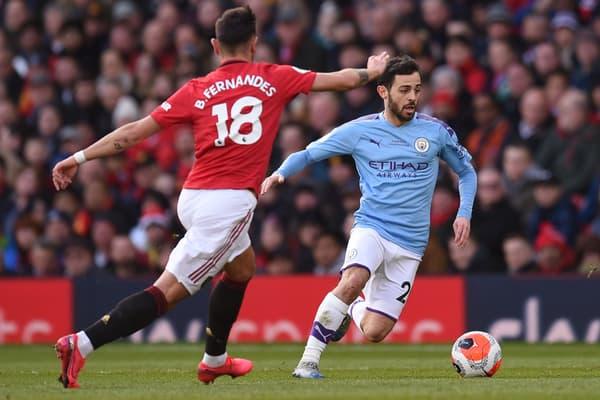Bernardo Silva (en bleu), l'un des ailiers très dribbleurs du Manchester City de Pep Guardiola, face à MU en mars 2020