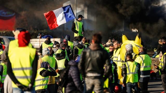 Des gilets jaunes lors de leur premier week-end de mobilisation, le 18 novembre 2018, à Caen