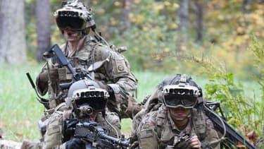 La version militaire du casque Hololens est doté de capteurs pour la vision nocturne et thermique permettant aux force spéciales de prendre des décisions tactiques et engager des cibles