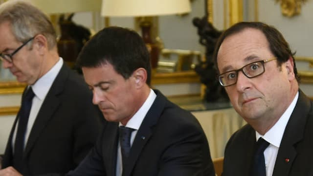 François Hollande, Manuel Valls et Bernard Cazeneuve à l'Elysée le 27 juillet 2016.