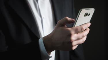 52% des entreprises appellent les candidats pour vérifier certaines informations.