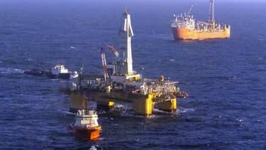 Shell explique que de nombreux forages peuvent être nécessaires pour qu'une extraction soit rentable.