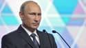 Poutine a ordonné le retrait de ses troupes militaires, positionnées depuis cet été aux abords de la frontière avec l'Ukraine.