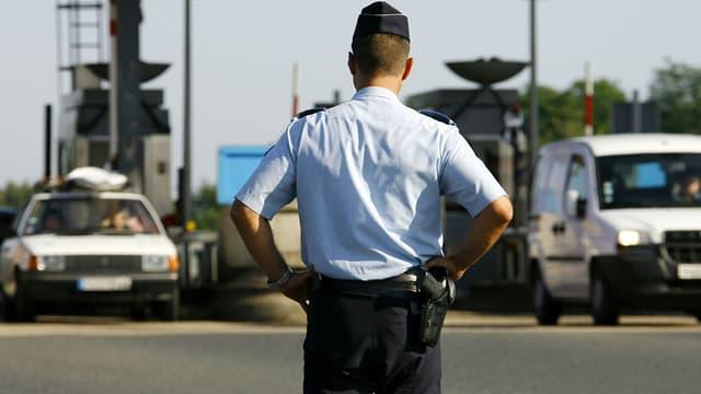 Un CRS qui contrôlait des automobilistes sur l'A13 est accusé de viol. 15 ans de réclusion ont été requis ce vendredi. (Photo d'illustration)