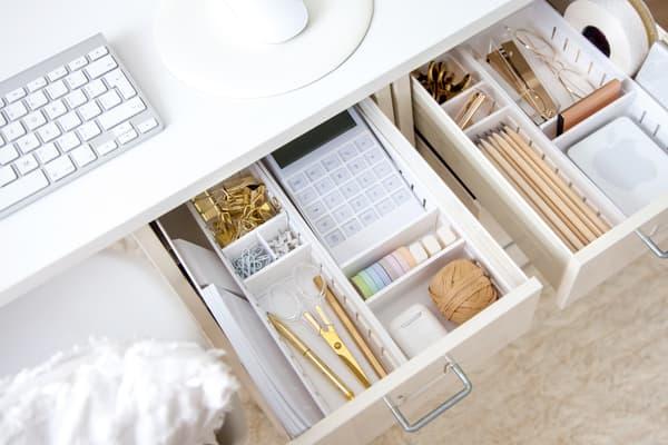 S'organiser un coin bureau à la maison, c'est essentiel pour télétravailler sereinement.