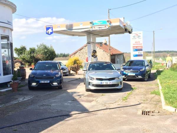Avec une consommation annoncée de 3,8 litres/100 km, le Kia Niro évite les passages fréquents à la pompe.