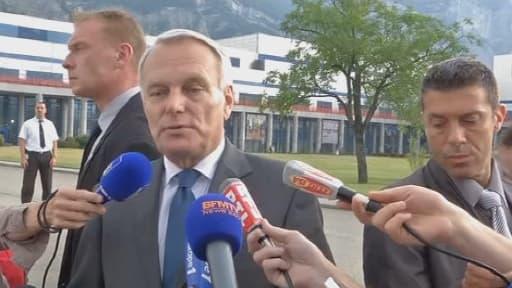 """Jean-Marc Ayrault: """"Ce qui s'est passé ces derniers jours à Trappes est inacceptable"""""""