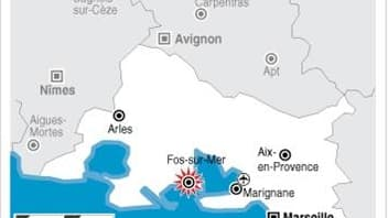 LA POLICE DÉBLOQUE LE DÉPÔT PÉTROLIER DE FOS-SUR-MER