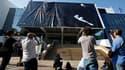 Préparatifs pour le 64e Festival de Cannes qui s'ouvre mercredi. De l'avis des organisateurs comme des critiques, l'édition de cette année se présente sous les meilleurs auspices avec une sélection qui brille par son éclectisme. /Photo prise le 9 mai 2011