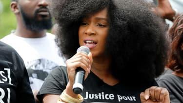 Assa Traoré, la sœur d'Adama Traoré, lors d'un rassemblement contre le racisme et les violences policières, place de la République à Paris le 13 juin 2020