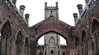 L'Église anglicane possède plus de 16.000 bâtiments à travers le pays qui pourraient servir de points hauts télécoms.