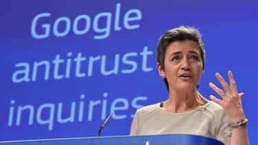 Pour Margrethe Vestager, commissaire chargée de la politique de concurrence, Google prive les consommateurs d'un choix plus large d'applications et de services mobiles et que l'entreprise freine l'innovation émanant des autres acteurs, en violation des règles de concurrence de l'UE