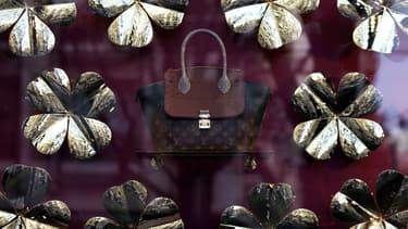 Louis Vuitton est l'une des marques possédées par LVMH