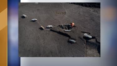 Une trentaine de menhirs ont été retrouvés lundi à Veyre-Monton (Puy-de-Dôme).