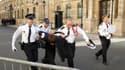 Au moins 80 militants islamistes, qui tentaient samedi après-midi de manifester devant l'ambassade des Etats-Unis à Paris, pour protester contre un film islamophobe diffusé sur internet, ont été interpellés par la police française. /Photo prise le 15 sept