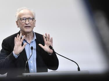 Le professeur Alain Fischer lors d'une conférence de presse gouvernementale en février 2021.