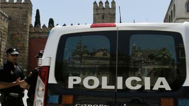 Un véhicule de police à proximité de la cathédrale de Séville (Espagne), le 8 juillet 2016 (photo d'illustration).