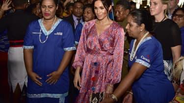 Meghan Markle lors de sa visite du marché de Suva
