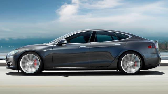 Singapour prend en considération les émissions de CO2 du puits à la roue, et non seulement lorsque le véhicule roule, ce qui pénalise aussi cette Tesla Model S.
