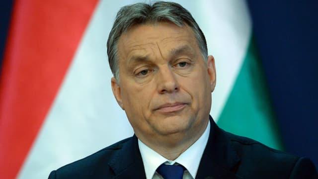 Réélu triomphalement au printemps dernier, Viktor Orban et son parti Fidesz ont connu depuis une forte chute de popularité.