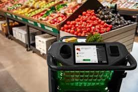 Des senseurs incorporés et caméras lisent les prix des produits