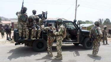 Des militaires de l'armée du Nigeria à Madagali, le 15 mars 2015.