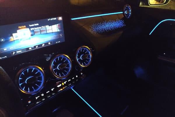 L'EQA bénéficie de la jolie intégration développée par Mercedes pour ses écrans tactiles.
