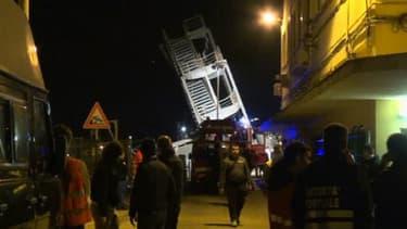 La Palazzina Piloti dans le port de Gênes après la collision cette nuit