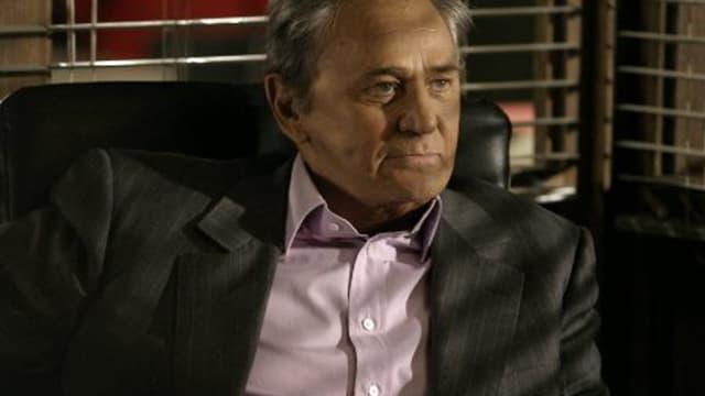 Roger Hanin, en incarnation du fameux Commissaire Navarro.