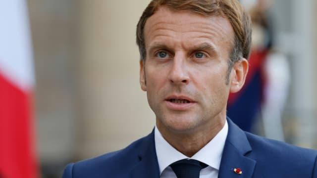 Le président Emmanuel Macron sur le perron de l'Elysée, le 16 septembre 2021 à Paris