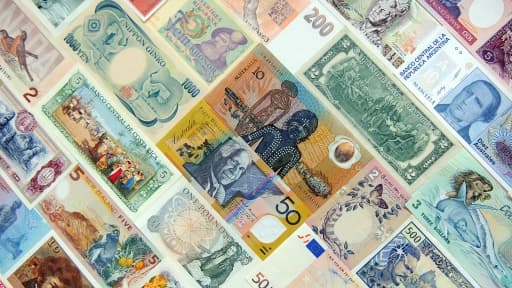 Les monnaies émergentes pâtissent de la réduction d'injection de dollars américains sur les marchés.