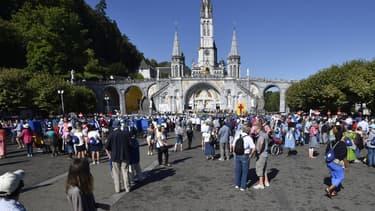 Le sanctuaire de Lourdes connait une baisse de fréquentation.
