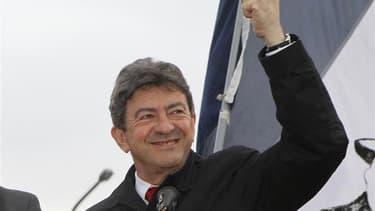 Jean-Luc Mélenchon dimanche dernier à Hénin-Beaumont après son élimination dès le premier tour des législatives. Le second tour du scrutin devrait marquer dimanche un cinglant échec électoral pour le Front de gauche, qui pourrait perdre une dizaine de dép