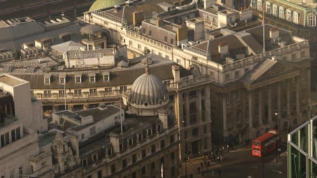 """La Banque d'Angleterre a décidé de se retrousser les manches, et d'investir dans le domaine de la cyber-sécurité, face à des attaques de plus en plus """"fréquentes"""" et """"sophistiquées""""."""