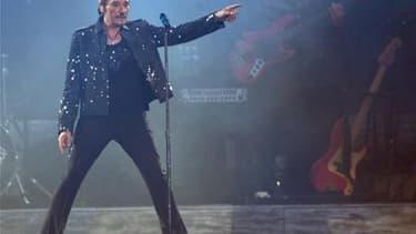 Le chanteur Johnny Hallyday a porté plainte devant le Conseil de l'ordre des médecins contre le docteur Stéphane Delajoux, qui l'avait opéré en novembre 2009. /Photo d'archives/REUTERS/Philippe Wojazer