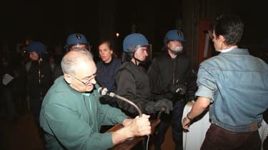 Henri Coindé, lors de l'intervention des forces de l'ordre le 23 août 1996.