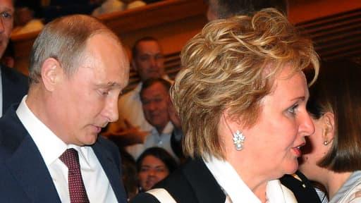 Vladimir Poutine et sa femme, Lioudmila, jeudi, après avoir annoncé leur intention de divorcer.