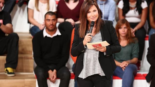 """Evelyne Thomas sur le plateau de l'émission """"C'est mon choix"""""""