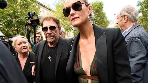 Johnny et Laeticia Hallyday aux obsèques de Mireille Darc, le 1er septembre 2017.