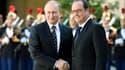 François Hollande se retrouve coincé entre la stratégie américaine et les ambitions russes.
