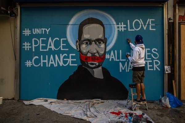 Graffiti représentant George Floyd, le 31 mai 202 à Los Angeles