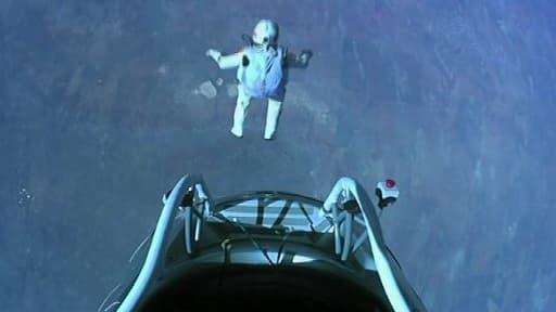 Le parachutiste Felix Baumgartner, au moment de son saut.