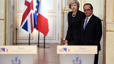 La Première ministre britannique Theresa May en compagnie de François Hollande à l'Élysée.