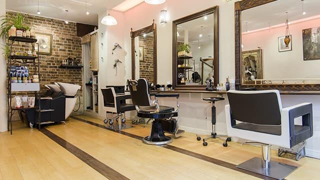 Cette start-up est déjà présente auprès d'une centaine de salons de coiffure à Toulouse, Bordeaux, Montpellier, Lyon et Saint-Etienne.