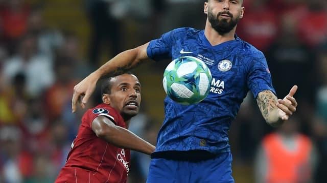 Olivier Giroud (Chelsea) face à Joël Matip (Liverpool)