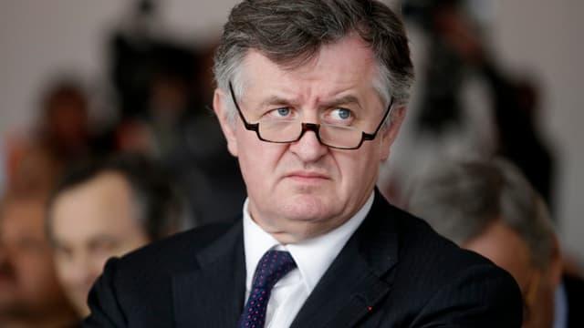 Augustin de Romanet, PDG d'Aéroports de Paris (ADP), est favorable à la création d'une nouvelle taxe sur les billets d'avion à Charles de Gaulle.