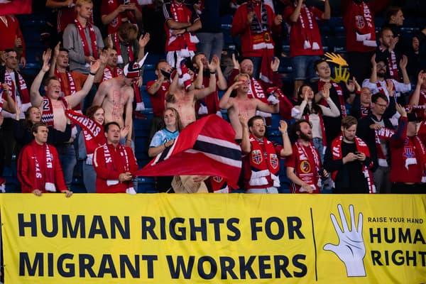La banderole des supporters norvégiens