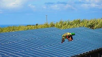 Akuo Energy devient leader mondial du photovoltaïque couplé à des solutions de stockage avec des projets à la Réunion et en Corse